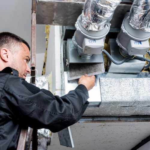 Ventilation,Cleaning.,Specialist,At,Work.,Repair,Ventilation,System,(hvac).,Industrial